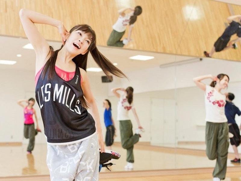 スタジオ ダンスプログラム