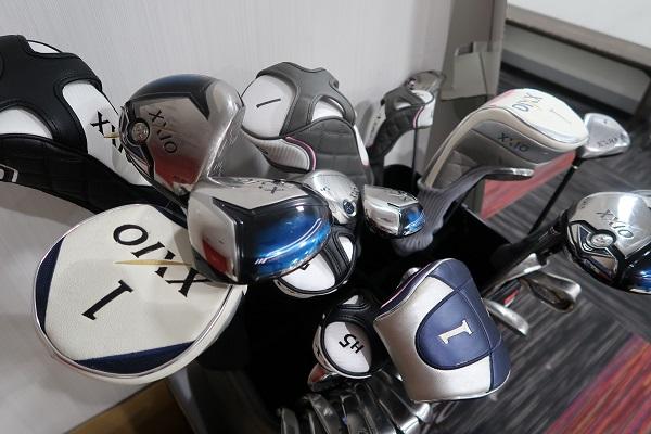 ゴルフクラブはゴルフボールを打つ道具でもあり、ゴルフ愛好団体でもあります。