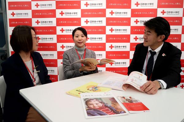 日本赤十字社さまを訪問してお話をうかがいました。