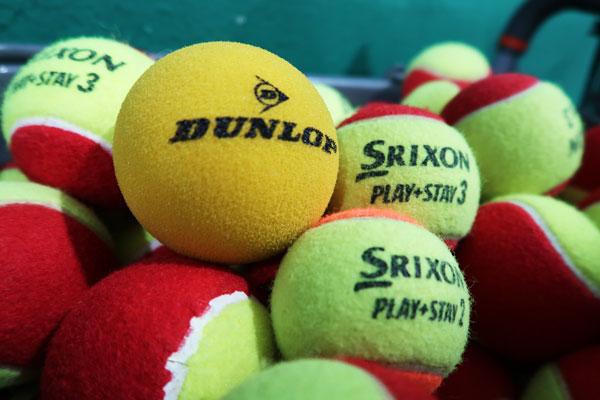 プレイ&ステイのテニスボール