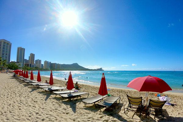 ハワイのワイキキビーチはゴールデンウィークに行きたい場所ランキングの常連